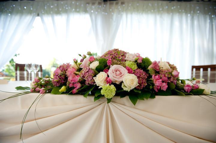 43aa219d5 Svadba - kvetinová výzdoba | Kvetinárstvo Bardejov, Donáška kvetov ...